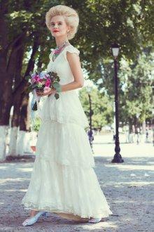 Свадебное белое платье в стиле рококо