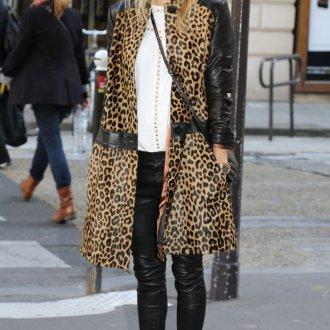 Пальто с черной кожей и леопардовым принтом