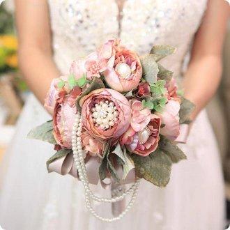 Запоминающийся свадебный букет невесты