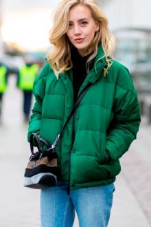 С чем носить зеленую куртку