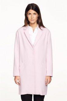 Розовое пальто для женщин после 40 лет