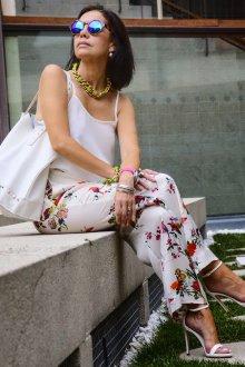 Стильный наряд женщины 50 лет