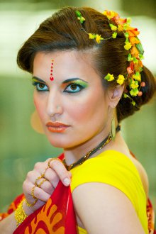 Женская прическа в индийском стиле