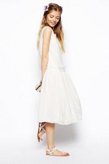 Белое свободное винтажное платье