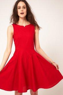 Красное платье в стиле 50 годов