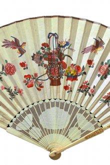 Бежевый японский веер с рисунками